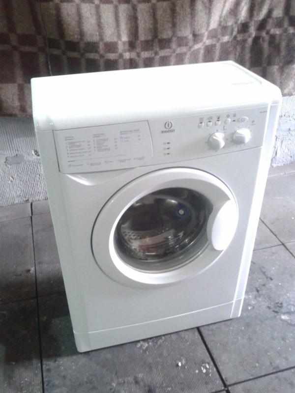 Стиральная машина Indesit WIUN 105 CIS