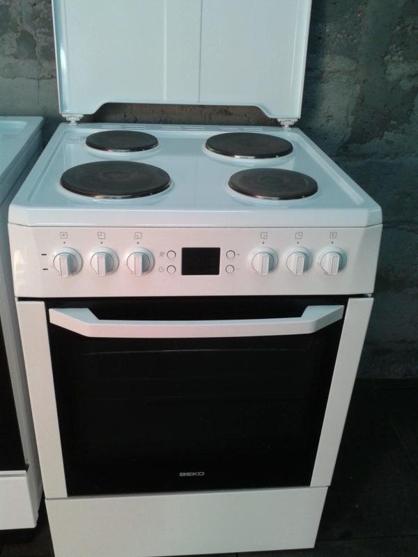 Электрическая плита Beko CE 56100