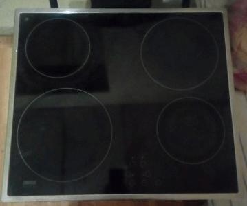 Стеклокерамическая варочная панель Zanussi ZKT621LX