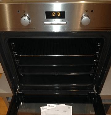 Духовой шкаф Электролюкс EOB53410