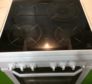 Электрическая плита Indesit KN6C10W