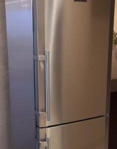 Холодильник Liebherr CBNes 3957
