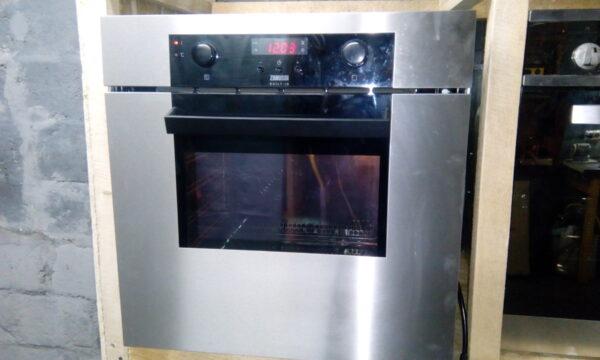Духовой шкаф Zanussi ZOB 668 QX