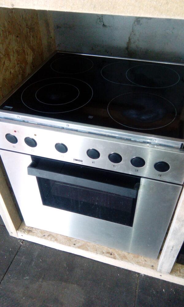 Духовой шкаф+варочная поверхность Zanussi ZOU646QX
